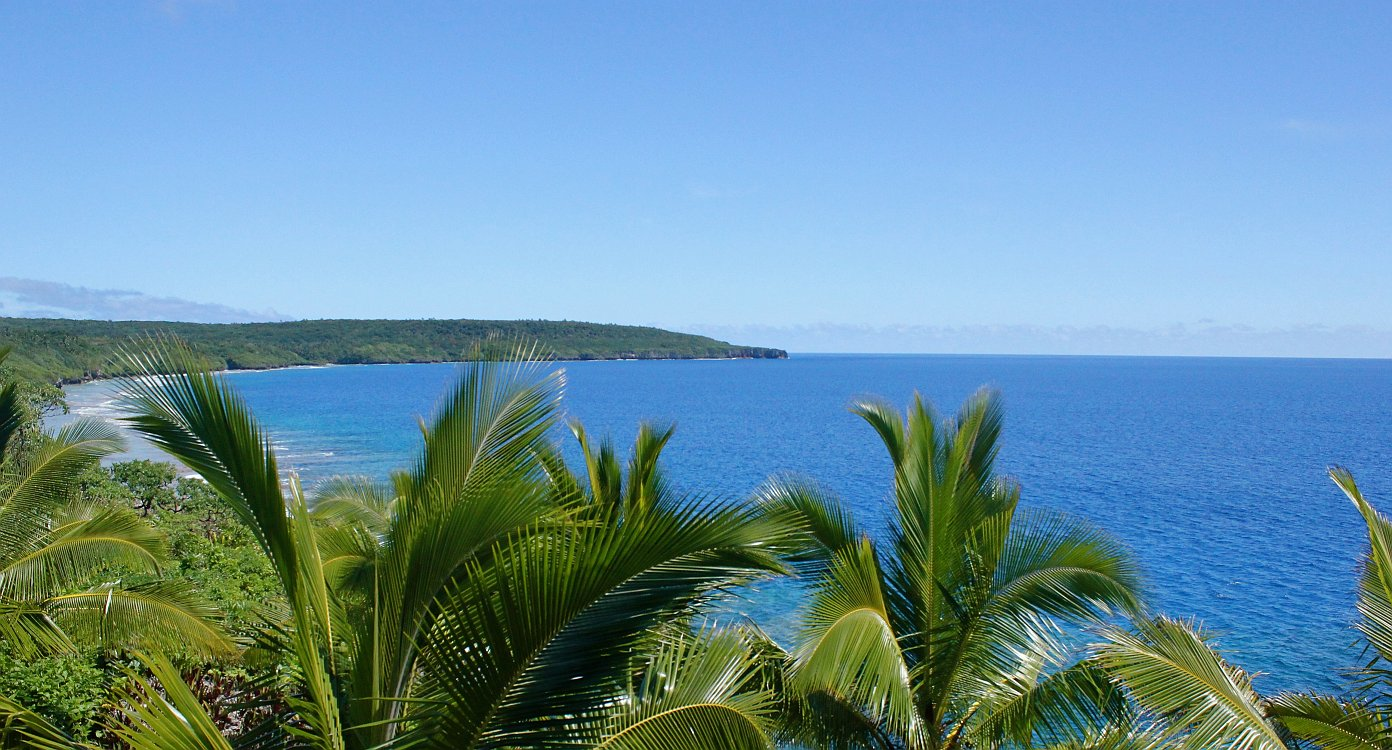 niue island Niue is a self-governing country in free association with new zealand a coral island of only 260 square kilometres, niue is located about 480 kilometres east of tonga and 560 kilometres south-east of samoa.